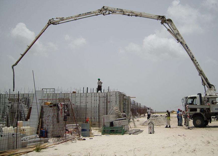 this image shows crane concrete pumping san jose